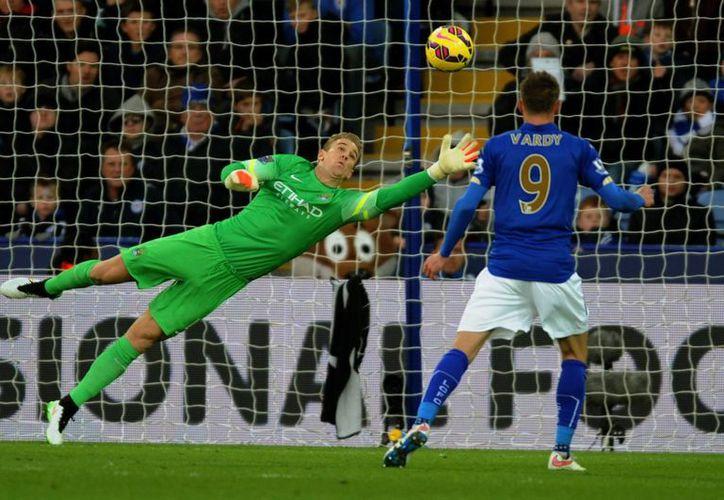 El portero del Manchester City, Joe Hart, logró mantener su meta en cero en el partido contra Leicester en Liga Premier. (Foto: AP)