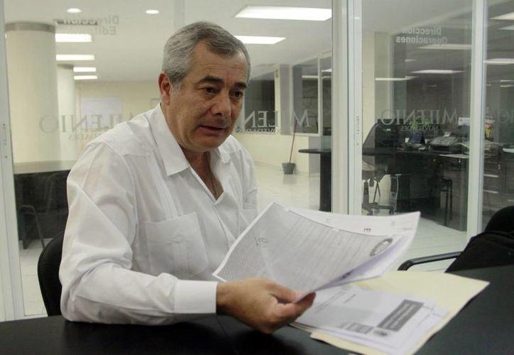 Francisco Moya Gómez: la intención de la Comuna de adquirir lámparas de vapor de sodio es un retroceso. (C. Ayala/SIPSE)