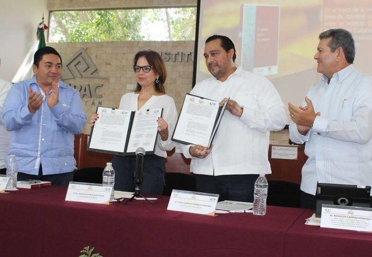 Representantes del Iepac firmaron el convenio de colaboración con instituciones de nivel superior. (Milenio Novedades)