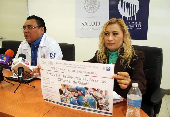 """Promueven los """"Retos de la Universalización de los sistemas de salud"""", para el personal de enfermería del Hraepy. (Milenio Novedades)"""