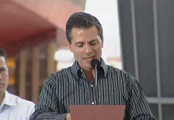 El presidente Enrique Peña Nieto anunció proyectos multimillonarios en el sector energético en el estado de Oaxaca. (Tomado del Twitter de @PresidenciaMX)