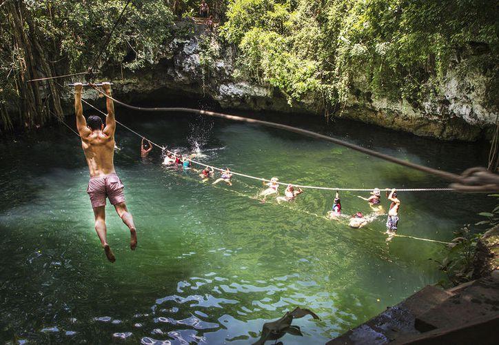 La Ruta de los Cenotes atrae a los amantes de la aventura y la naturaleza. (Redacción)