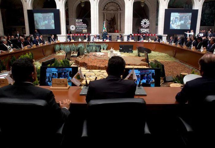 El presidente Peña Nieto  en reunión con gobernadores de todo el país. (Notimex)