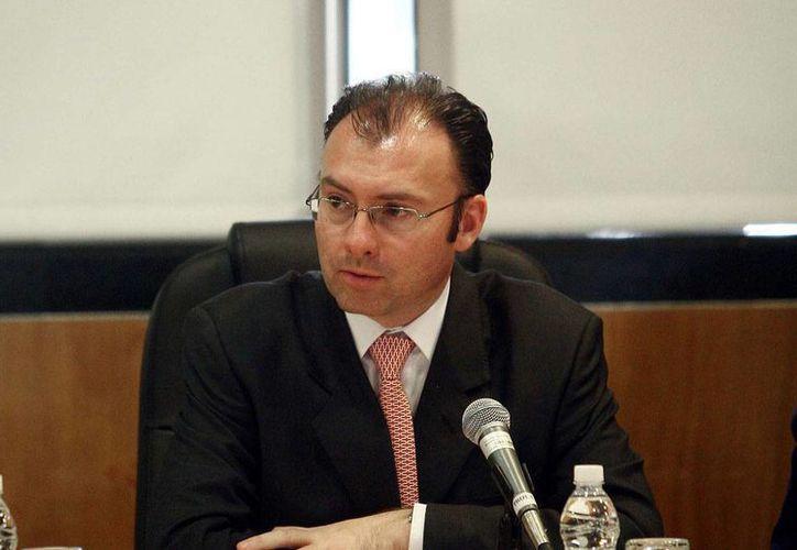 Videgaray: se propuso al Congreso de la Unión que cualquier empresa dé a conocer toda la información relacionada con los contratos.(proceso.com.mx)