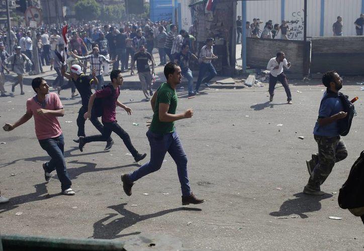 Los enfrentamientos han dejado casi 700 muertos. (Agencias)