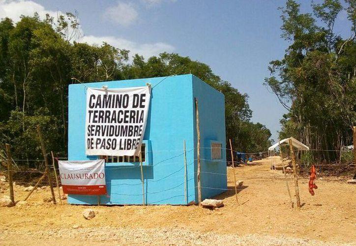La caseta construida por la empresa ABC en el predio Balamtun fue clausurada por la Profepa. (Adrián Barreto/SIPSE)