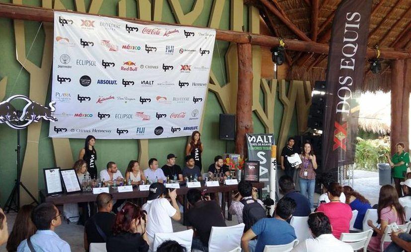 En la rueda de prensa se dio a conocer que participarán más de 350 artistas en 80 fiestas. (Daniel Pacheco/SIPSE)
