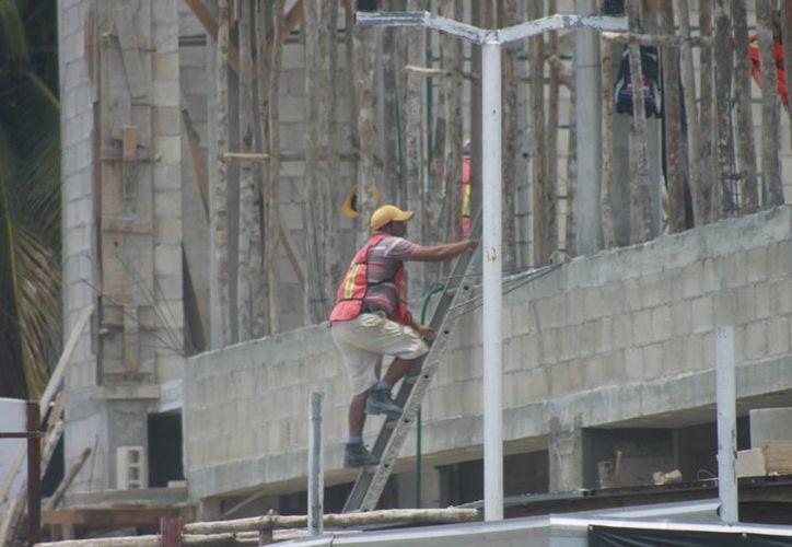 Dentro 47% del registro de accidentes aparecen las personas que trabajan en las construcciones. (Redacción/SIPSE)