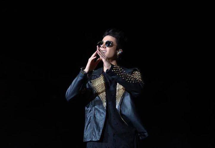 El cantante de pop Mario Bautista cierra el evento en la Plaza Grande. (Facebook)