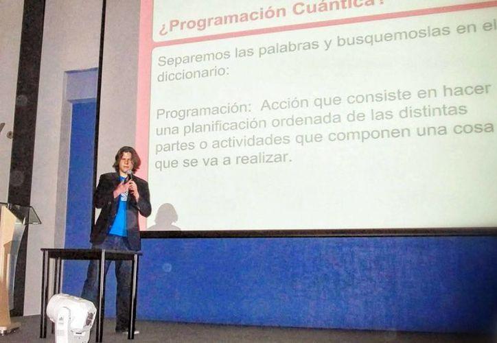 """Carlos Toxtli, conferencista de """"Hittco"""". (Milenio Novedades)"""