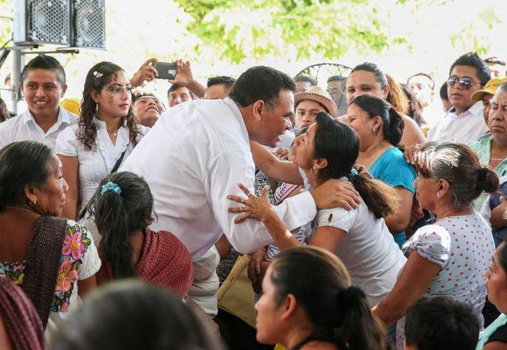 El gobernador Rolando Zapata Bello realizó este sábado una gira por el oriente de Yucatán. (SIPSE)
