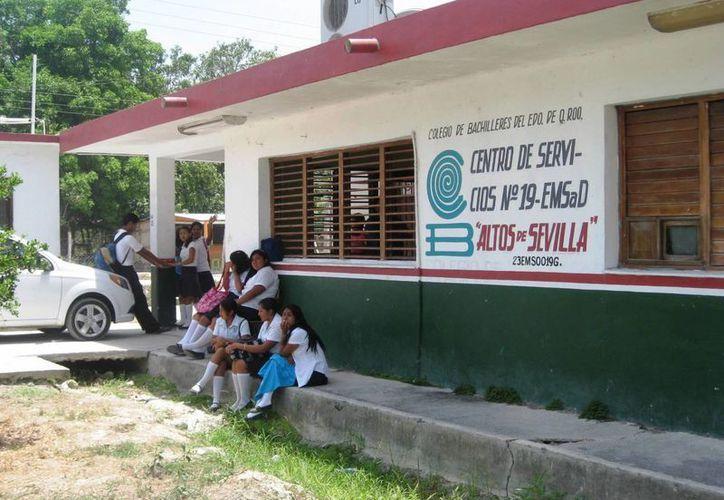 Las alumnas de la Escuela de Educación Media Superior a Distancia, denunciaron los actos de acoso. (Javier Ortiz/SIPSE)