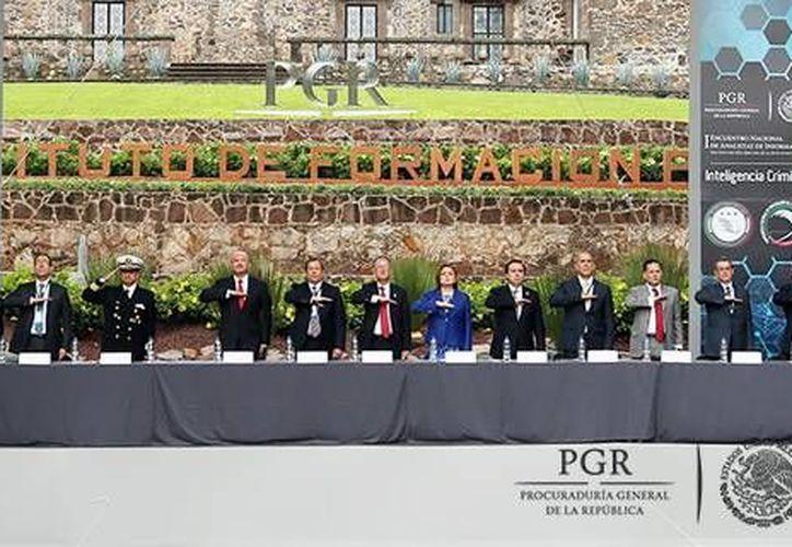 En San Juan del Río, Querétaro, se realiza el Primer Encuentro Nacional de Analistas en Información, cuya inauguración estuvo a cargo de la procuradora Arely Gómez. (PGR)