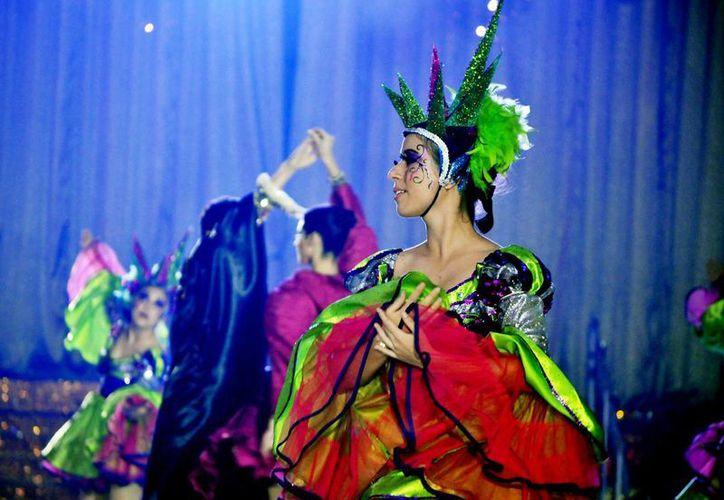 La Dirección de Eventos Especiales anuncia las actividades del carnaval. (Cortesía/SIPSE)