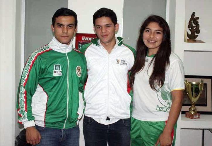 Karatecos yucatecos que compitieron en Baja California a fines de noviembre. con miras a los Juegos Centroamericanos de Veracruz en 2014. (Milenio Novedades)