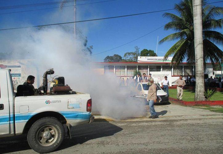Arrancó ayer la megacampaña de eliminación de criaderos y nebulización, en Othón P. Blanco y el resto de Quintana Roo. (Redacción/SIPSE)