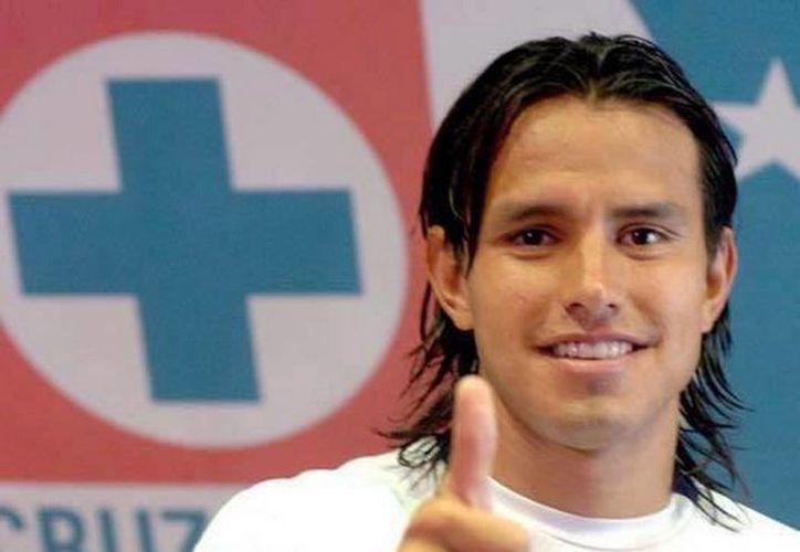 El defensa de Cruz Azul se mostró sorprendido al saber que estaba en la investigación del IMSS. (Facebook)