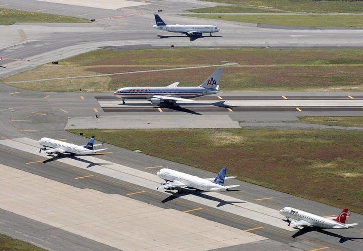 El porcentaje de vuelos que llegó a tiempo cayó a 76.2 por ciento el año pasado, abajo del 78.4 por ciento en 2013. (Agencias)