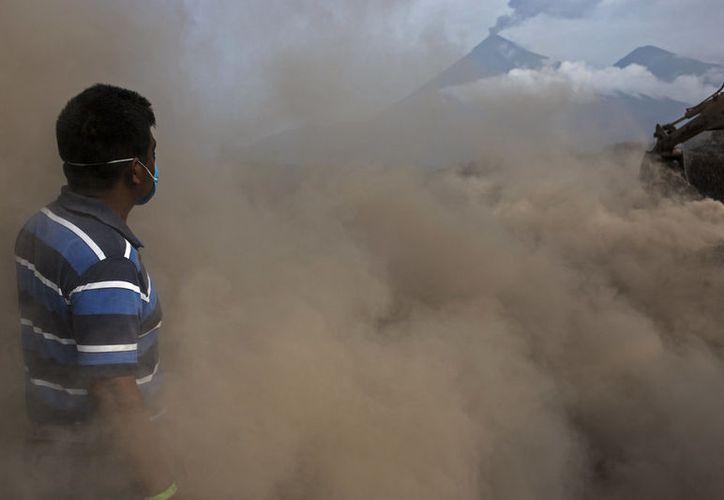 Preocupa a la población las explosiones y la actividad de desgasificación. (vanguardia.com)