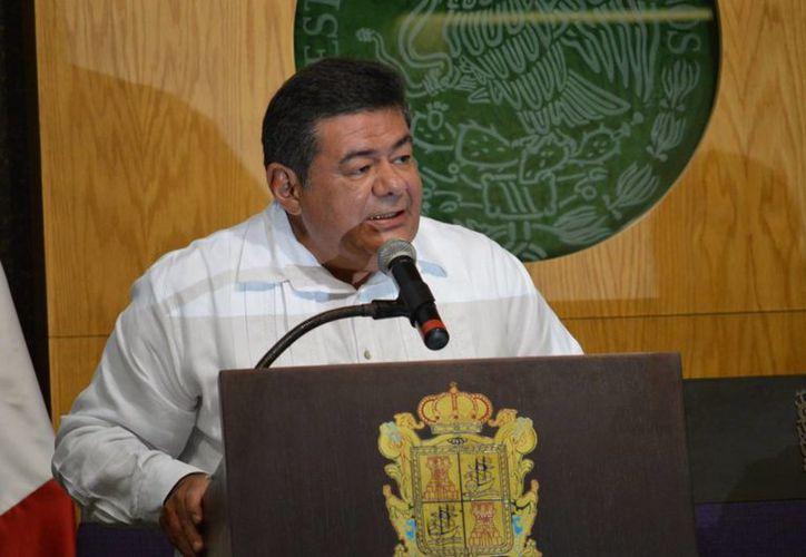 El gobernador de Campeche, Fernando Ortega, confía en que las actividades de explotación petrolera se incrementarán. (Imagen de archivo/Notimex)