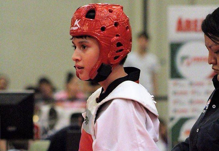 Ian Canales Mena se coronó como el mejor guerrero del tae kwon do de México en la categoría menos 50 kilos. (Cortesía)