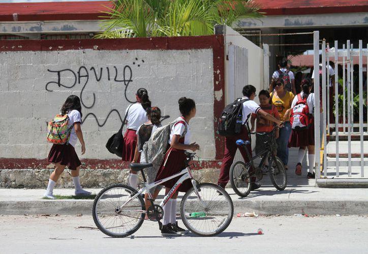 El promedio que se invertirá por cada escuela será de  de 180 mil pesos de las 25 que entren en el programa (Adrián Barreto).