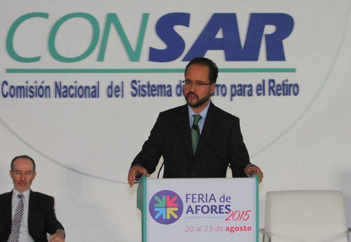 La Comisión Nacional del Sistema de Ahorro para el Retiro (Consar) dio a conocer los resultados del Comparativo Anual en Servicios (CAS). En la imagen Carlos Ramírez, titular de la institución. (Notimex/archivo)