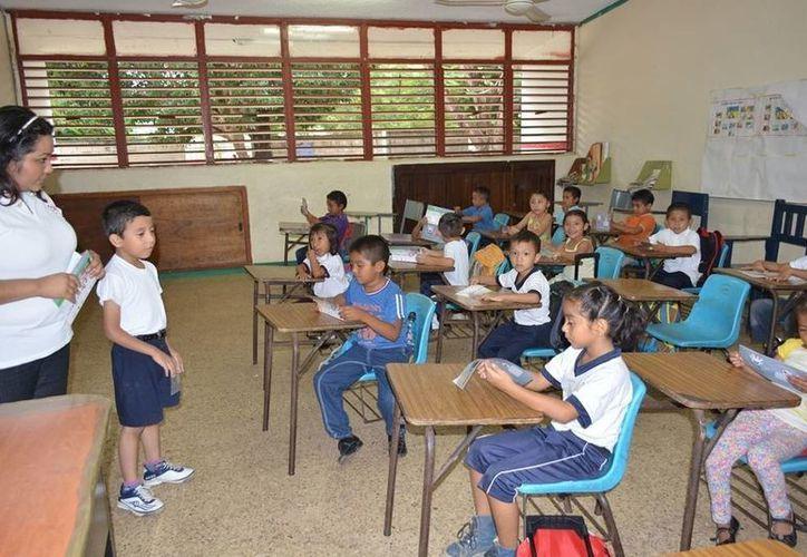Tras el periodo vacacional de invierno, en este regreso a clases no hubo ausentismo ni de profesores, ni de alumnos. (Manuel Salazar/SIPSE)