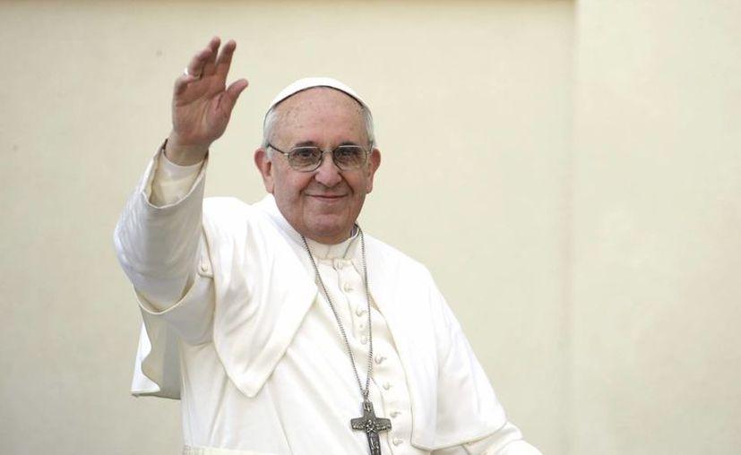 El pontífice anunció ayer su viaje a Brasil en julio para presidir la Jornada Mundial de la Juventud. (Agencias)