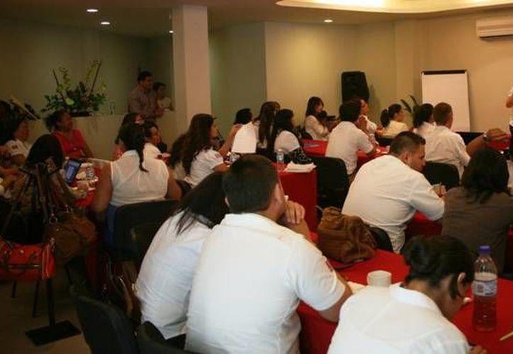 Reciben casi nueve millones de pesos para el programa de apoyo hacia las mujeres. (Redacción/SIPSE)