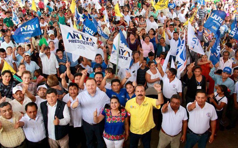 Los candidatos de la coalición Por Quintana Roo al Frente, se comprometen a trabajar desde el Congreso para sacar del rezago a habitantes de la zona maya. (Foto: Redacción)