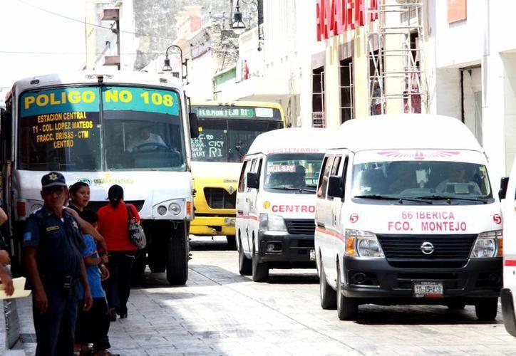Aplicarán revisión a los automotores que circulen en el Estado destinados al traslado público, privado, de carga o pasajeros, y unidades pesadas. (SIPSE)