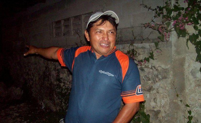 Este hombre fue testigo de la aparición, estaba junto al autor del video. (Jorge Moreno/SIPSE)