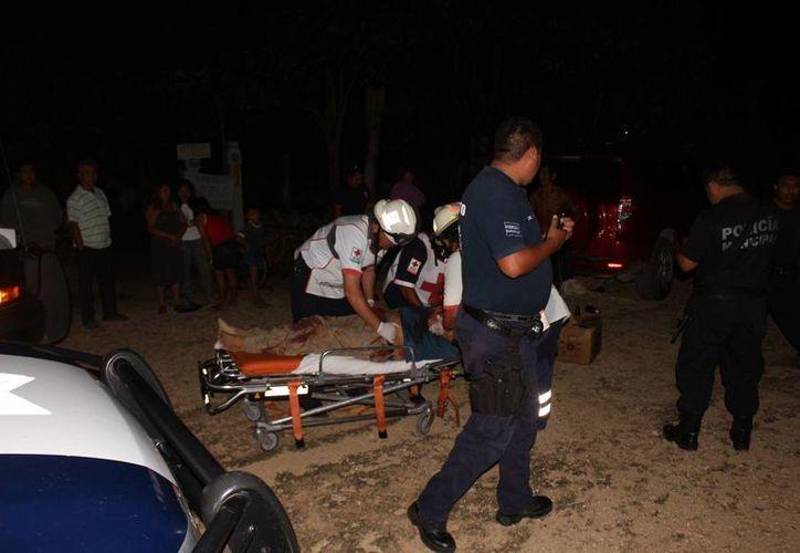 Por los fuertes golpes que recibió el sujeto fue trasladado al Hospital General de Chetumal. (Redacción/SIPSE)