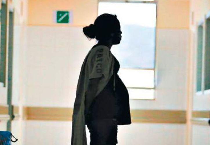 En Yucatán, el embarazo de adolescentes es un problema de salud pública: entre enero y mayo de 2017, en promedio, cada ocho horas una mujer de menos de 17 años dio a luz. (Archivo/Milenio Novedades)