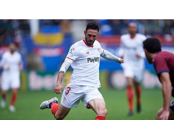 Miguel Layún debuta con el Sevilla. (Fox Sports)