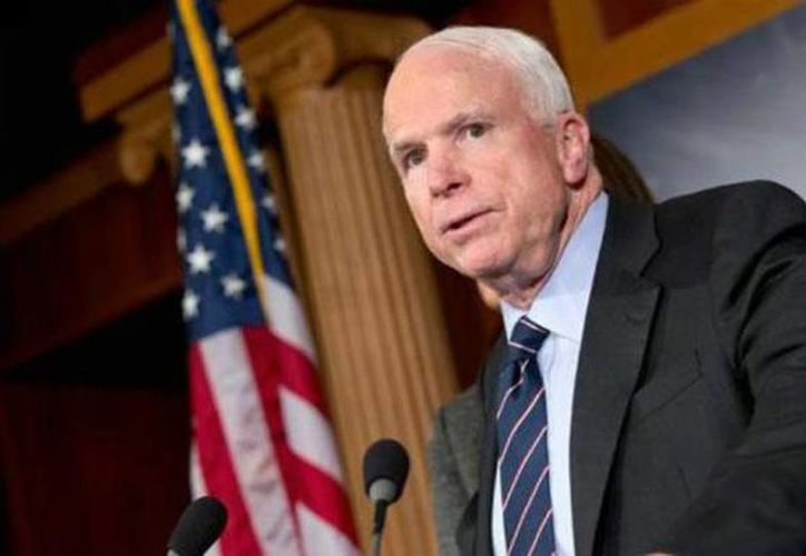 John  McCain es una de las figuras políticas en Washington más respetadas tanto por republicanos como por demócratas, por su trayectoria primero como militar y luego como legislador. (AP)