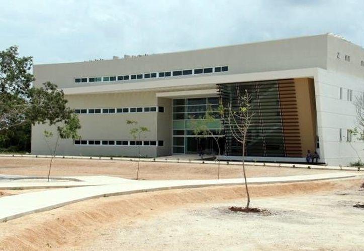 Una de las razones por las que la UNAM creó la Unidad de Ciencias y Tecnología en Yucatán fue  la creación del Parque Científico en Sierra Papacal. En la foto, el edificio de la Unidad de Vinculación del Parque Científico y Tecnológico, que está en Sierra Papacal. (SIPSE)