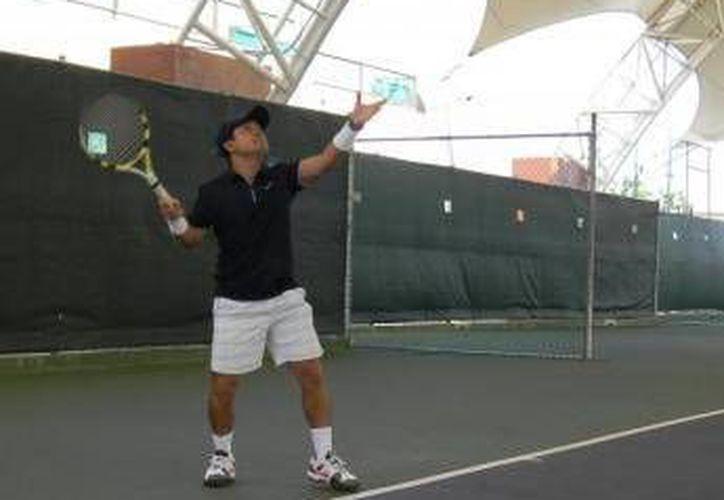 Intensas acciones se vivieron en el torneo de tenis World Cancún 2013. (Raúl Caballero/SIPSE)
