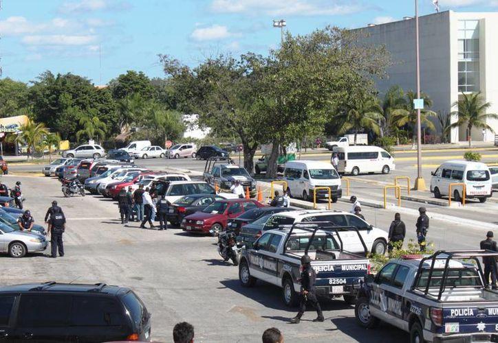 Seguridad Pública informó que este fue el segundo operativo, de este tipo, que se realiza este año, y que se analiza continuar las inspecciones en otros estacionamientos. (Daniel Pacheco/SIPSE)