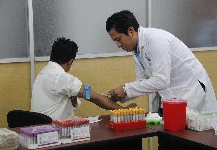 La campaña tiene como fin erradicar mitos en torno a la donación de sangre. (Juan Carlos Albornoz/SIPSE)