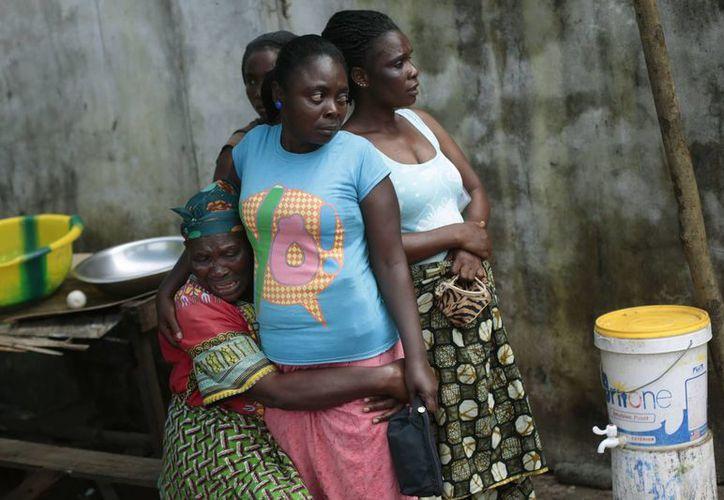 Más de mil 800 habitantes de Liberia han resultado infectados con el virus del ébola; ese país es el que presenta el mayor número de casos. (AP)