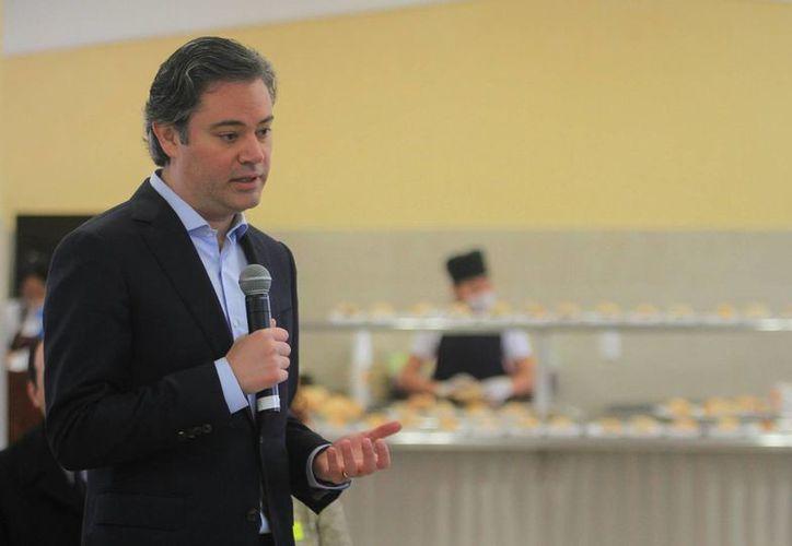El secretario de Educación, Aurelio Nuño, dijo que se replanteará la distribución de becas en la educación básica y media superior. (Notimex)