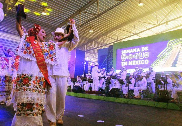 Con la participación del Ballet Folclórico del Estado comenzó la Semana de Yucatán en México. (Milenio Novedades)