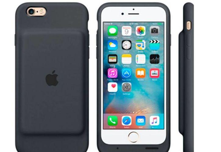Smart Case Battery es la primera funda con batería diseñada por Apple para iPhone 6 y 6s. La batería promete hasta 25 horas extra de vida. Tendrá un costo de 1,999 pesos.- (Foto: Apple)
