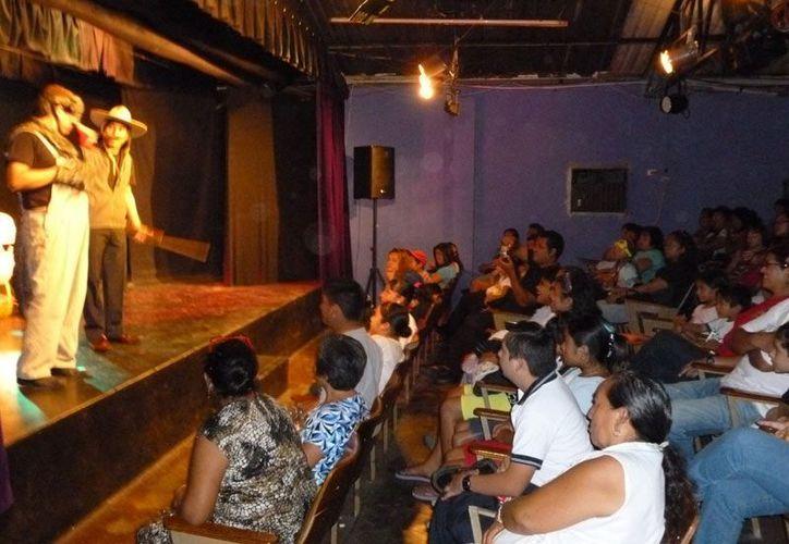 Se pretende dar impulso a las actividades de las escuelas con la rehabilitación del teatro. (Internet)