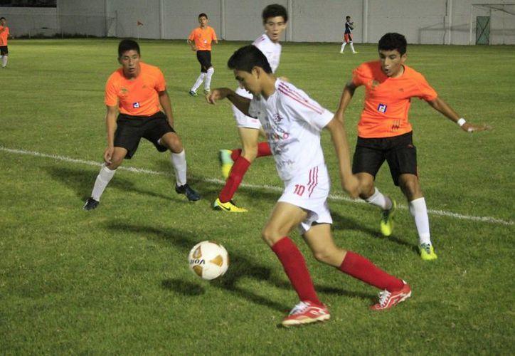 El partido se llevó a cabo en el estadio 10 de Abril en Chetumal. (Miguel Maldonado/SIPSE)