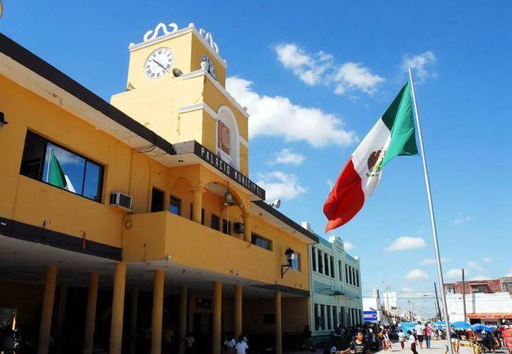 Polémica en el Palacio Municipal de Kanasín por dos denuncias. (Milenio Novedades)