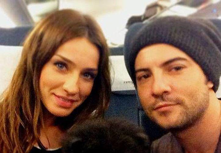 En agosto, la pareja, que recurre con frecuencia a sus redes sociales, comenzó a subir algunas fotografías juntos. (Facebook)