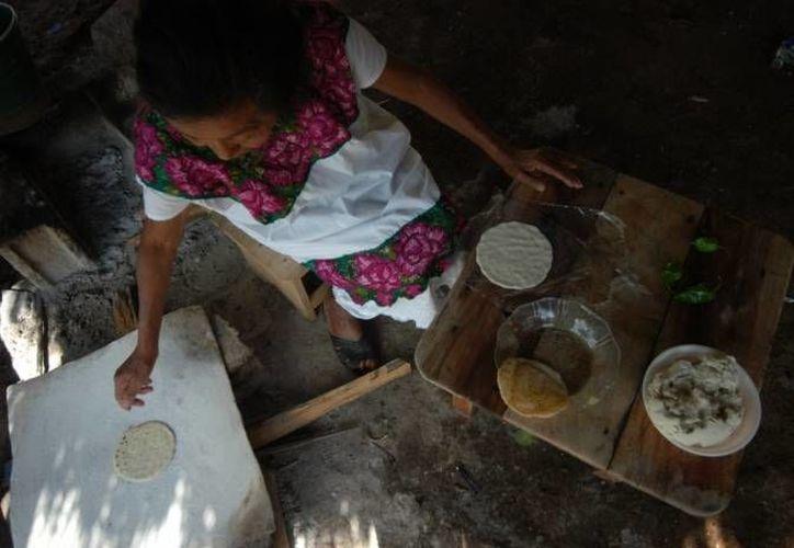 Uno de los principales compromisos de los delegados de Sedesol es abatir la pobreza. (Notimex/Archivo)